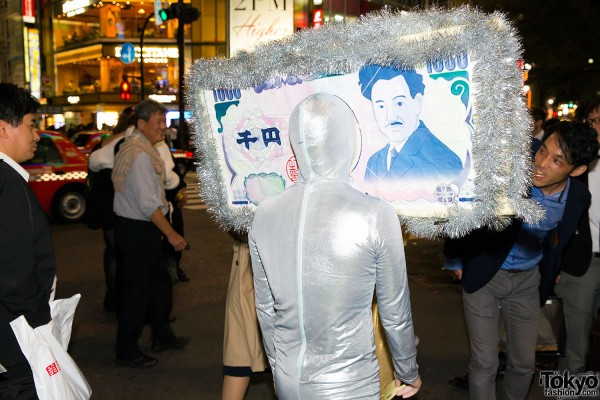 Halloween Eve in Japan - Costumes in Shibuya (148)