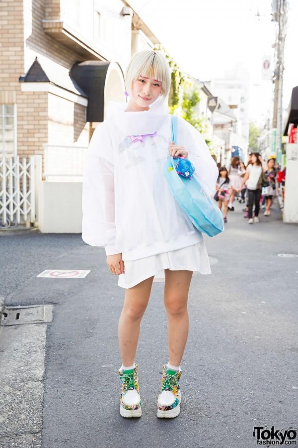 Harajuku Girl in Wagado Jacket, 6%DOKIDOKI Unicorn Dress, Nile Perch & Yosuke Items