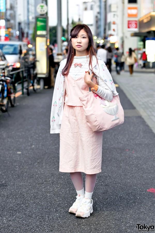 Harajuku Girl in Cute Pink Fashion w/ Ice Cream Bag & Reebok Pump Sneakers