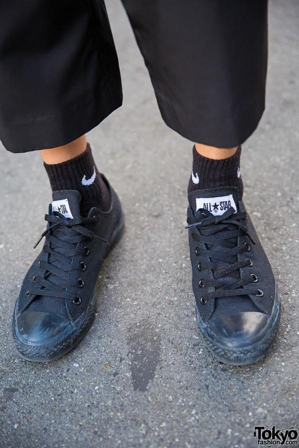 white converse black socks Online