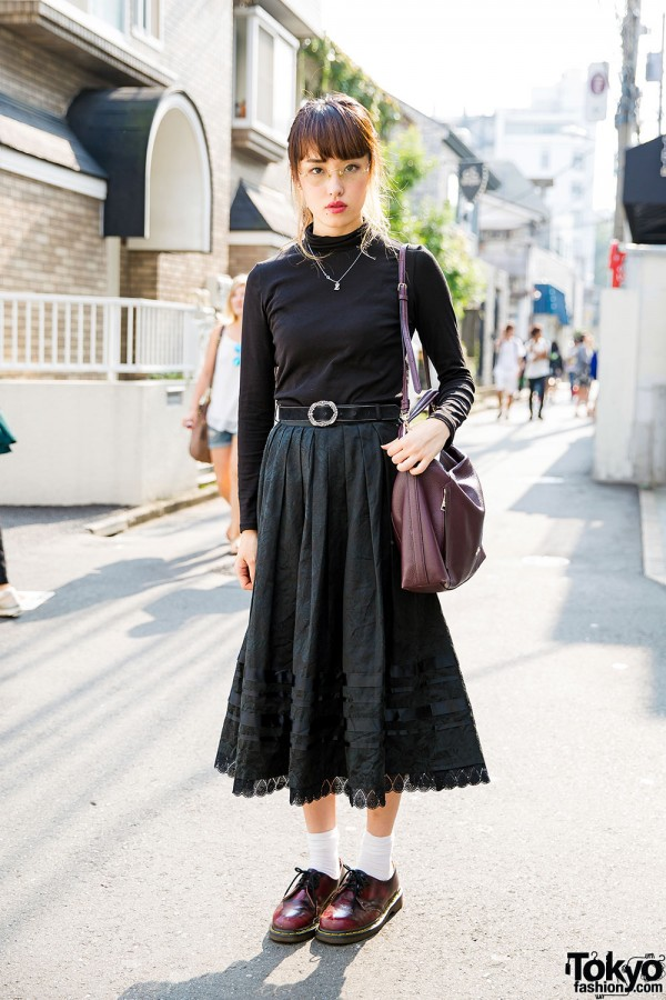 Harajuku Girl in Turtleneck & Maxi Skirt