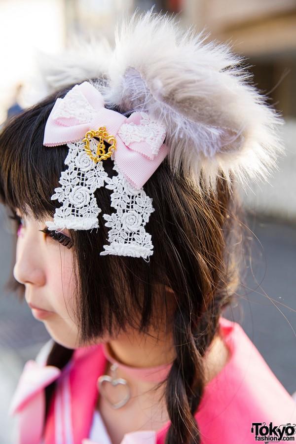 Hair Bow & Cat Ears in Harajuku