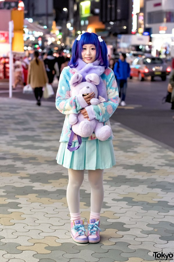 Blue-Purple Twin Tails, Fluffy Pastel Fashion & Plush Rabbit Bag in Harajuku
