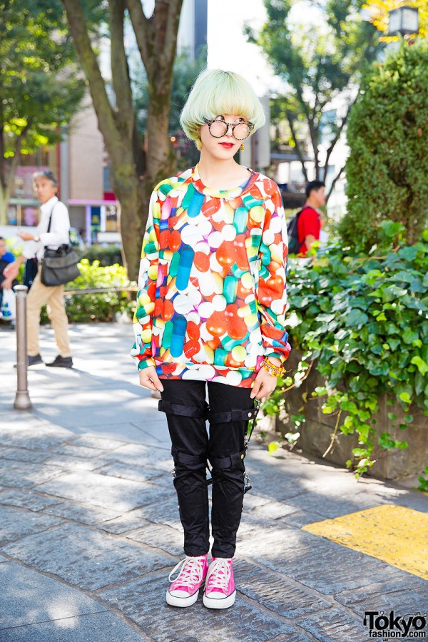 Harajuku Girl in Glasses w/ Green Hair, Pills Sweatshirt, Hellcatpunks & Converse