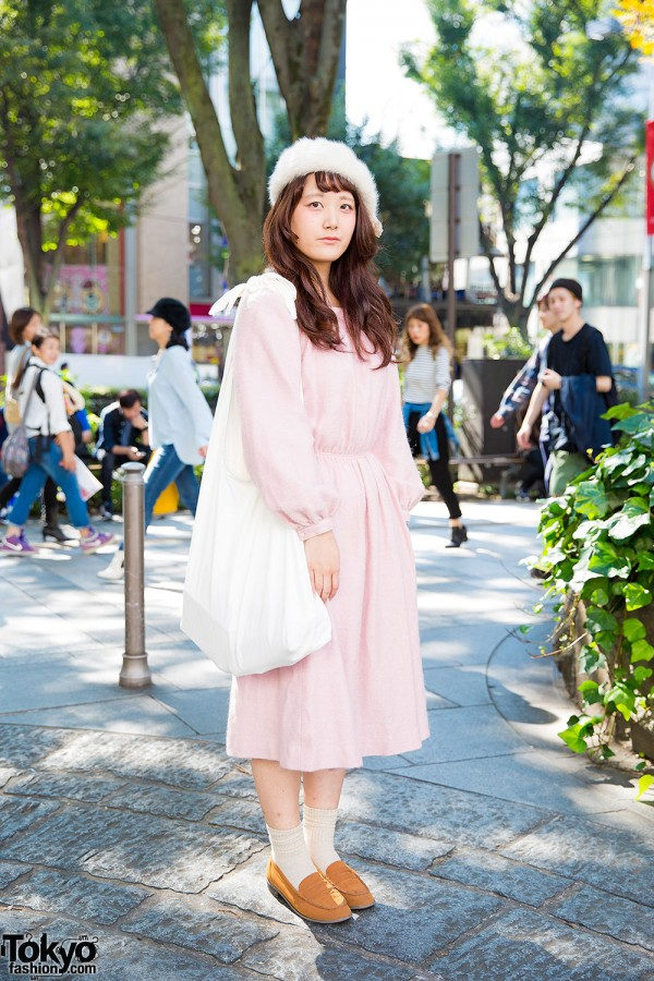 Harajuku Girl in Pink Midi Dress