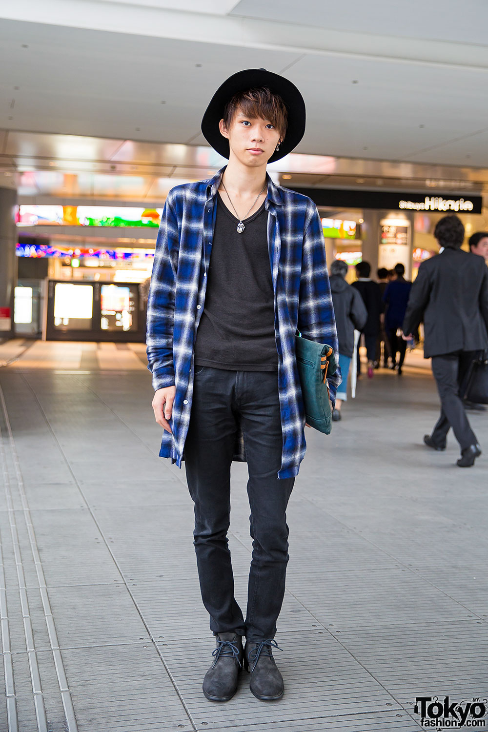 Tokyo, JAPAN About Blog MEN'S NON-NO is the male fashion magazine by Tokyo-based Shueisha. MEN'S NON-NO features an extensive array of menswear styles ranging from street, contemporary and high fashion, as well as more formal attires, making it appealing to a .