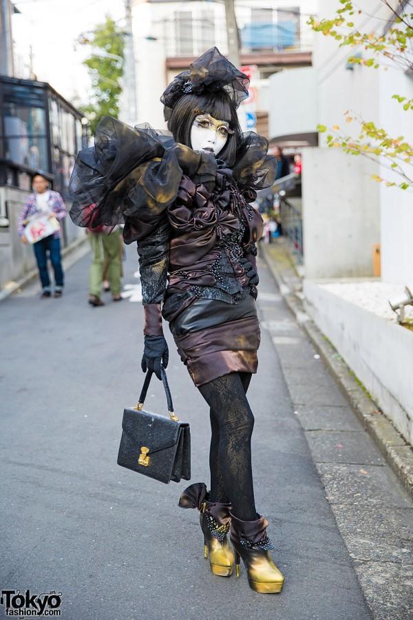 Minori in Shironuri Makeup & Dark Fashion w/ Handmade & Vintage Items