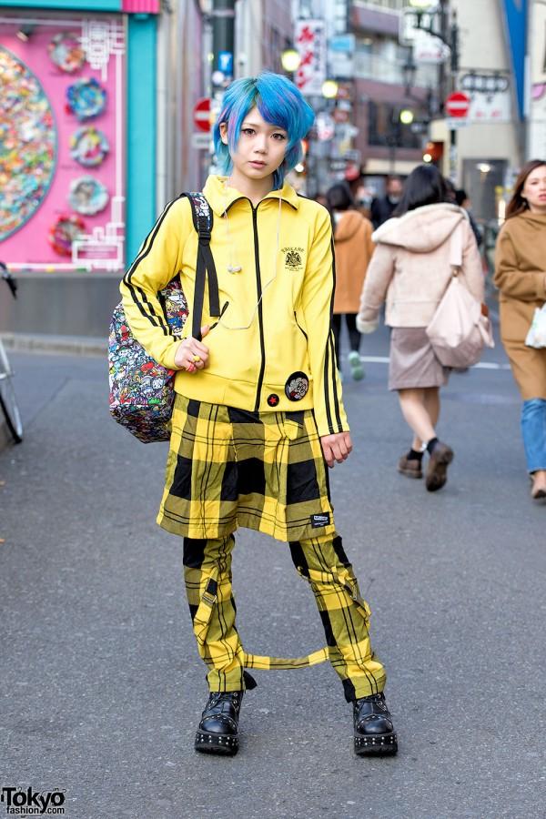 Harajuku Girl w/ Blue Hair, Sexy Dynamite London, Super Lovers & Waga-ma-mind