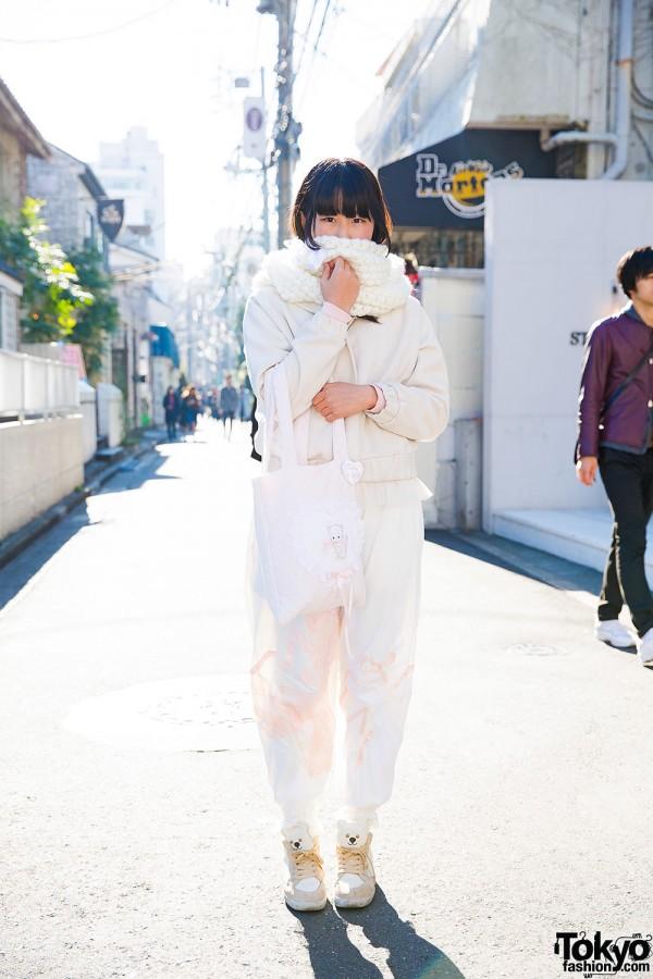 Harajuku Girl in Pastel Fashion