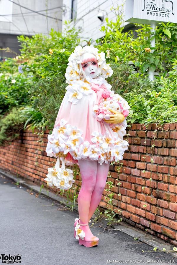 Japanese Shironuri Artist Minori's My Melody Fashion in Harajuku