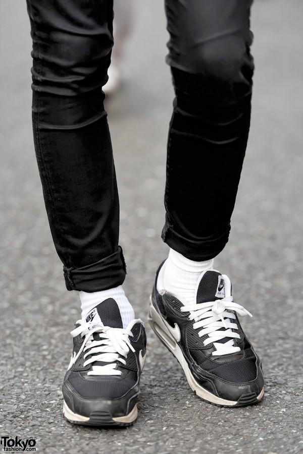 Nike Sneakers & Gap Skinny Jeans