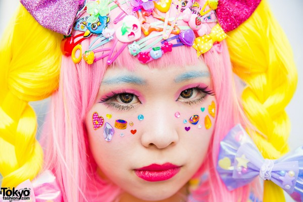Decora Girl with Facial Stickers & Hair Accessories