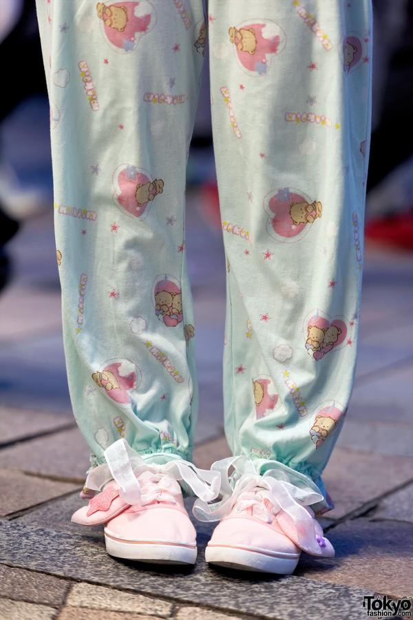 Milklim Pajama Pants & Ribbon Laced Winged Sneakers