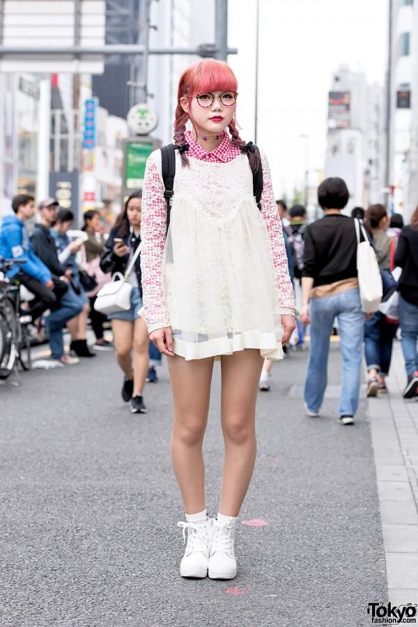 Harajuku Girl in Lace Top