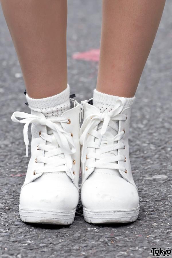 TOPIC High Top Sneakers