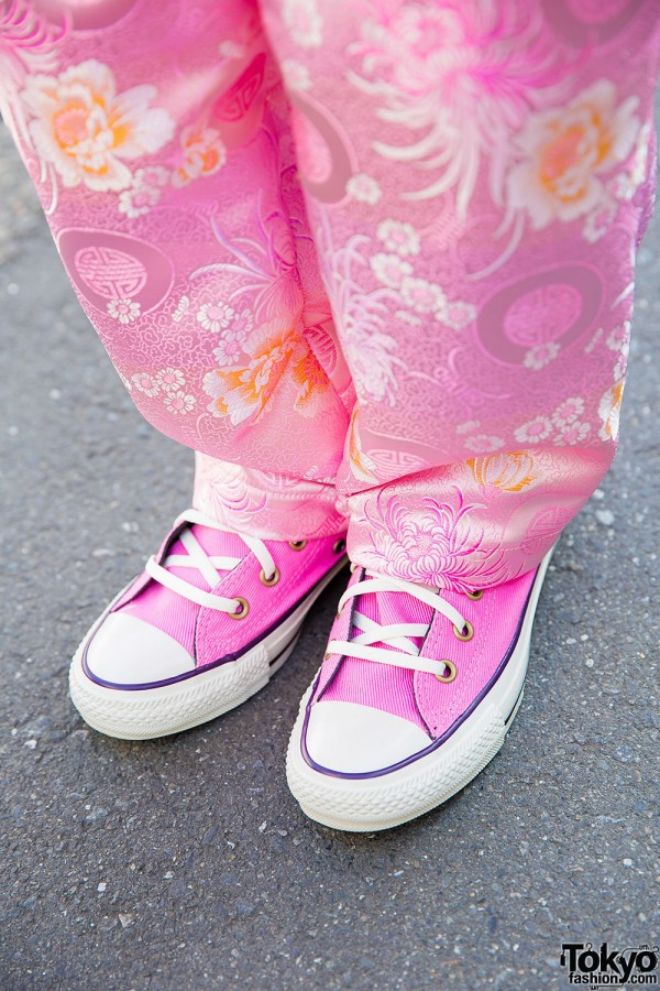 Pink Kobinai Pants & Converse Sneakers