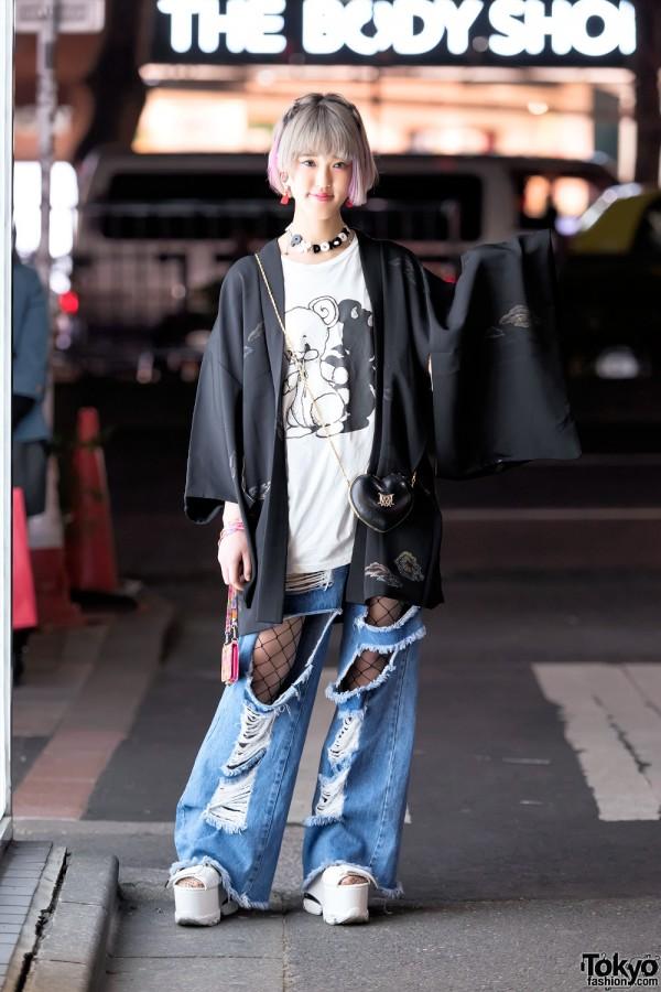 Kimono & Ripped Jeans in Harajuku