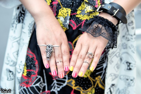 Lace Bracelet & Silver Skull Ring