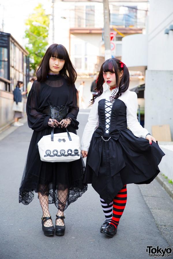 Goth Harajuku Street Styles w/ Corsets, My Melody Bag & 6%DOKIDOKI