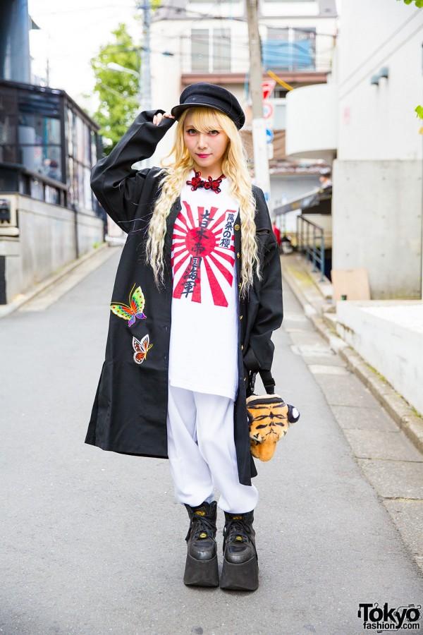 Blonde Harajuku Girl in Remake Fashion, Geisha Jacket & Buffalo Platforms