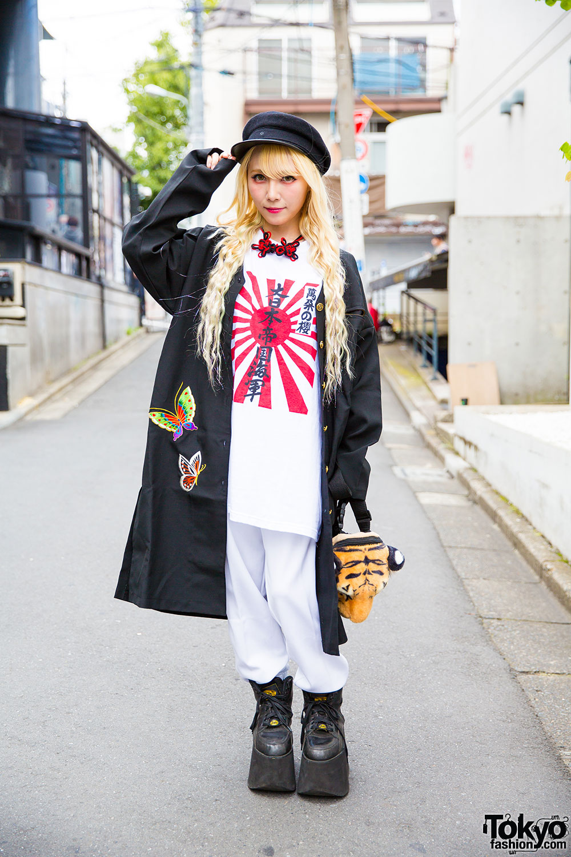 f80b3cee62b1 Blonde Harajuku Girl in Remake Fashion, Geisha Jacket   Buffalo Platforms