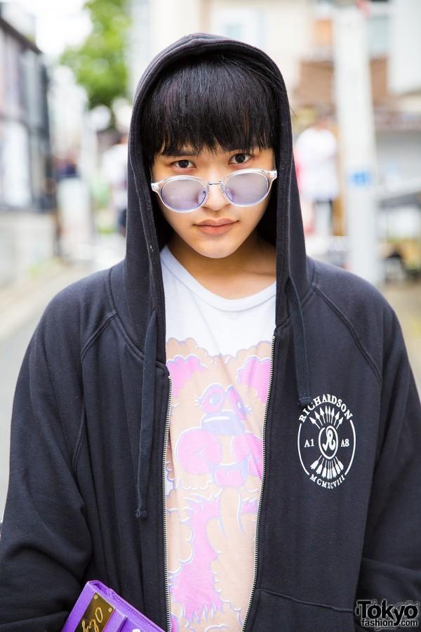 Richardson hoodie jacket and Experts Disagree print t-shirt