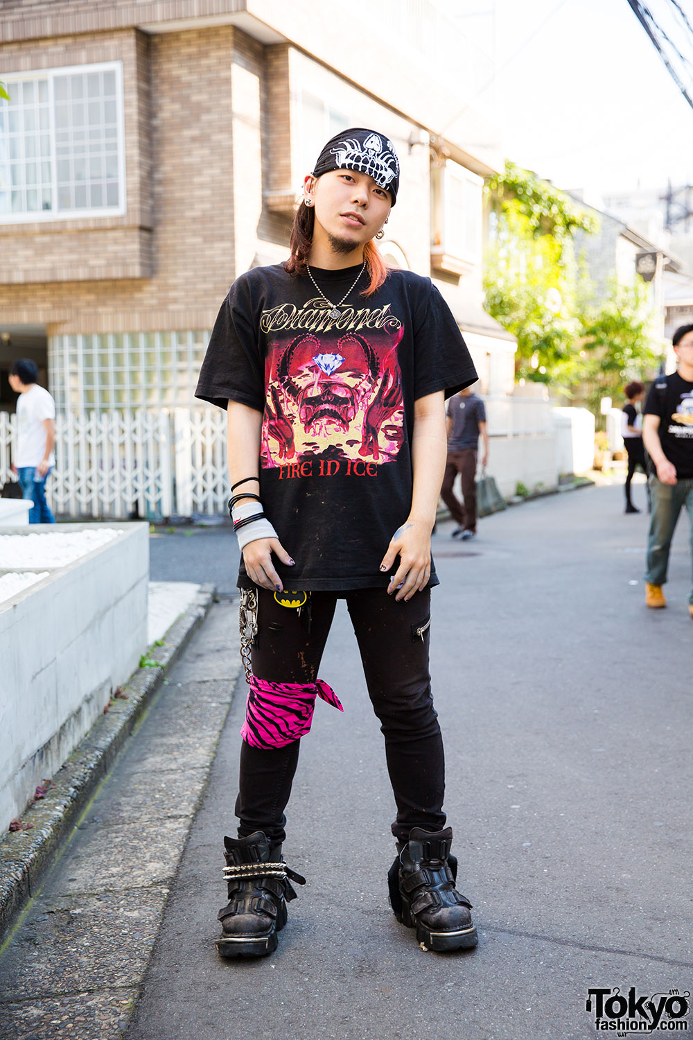 Harajuku Guy 39 S Street Style W Shaved Hair Bandana Band Tee New Rock Boots