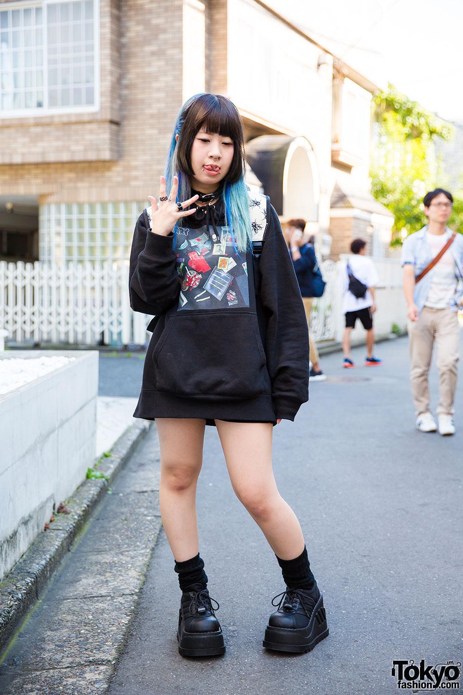 Harajuku Girl W Piercings In Black Brain Oversized
