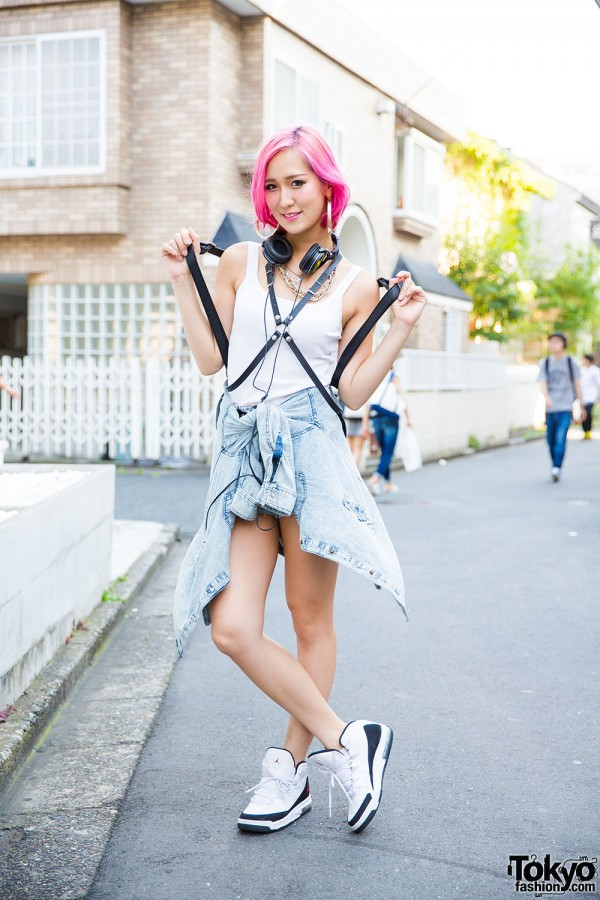 Pink Haired Harajuku Girl in Sporty Chic Style w/ Glad News & Air Jordans