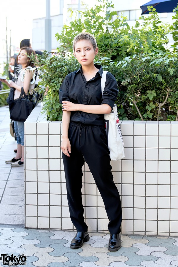 Harajuku Girl w/ Shaved Hairstyle, Dark Fashion & Vision Streetwear Bag