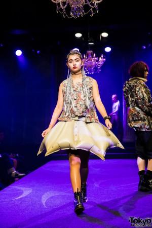 Michiko London Koshino Harajuku Fashion Show (35)