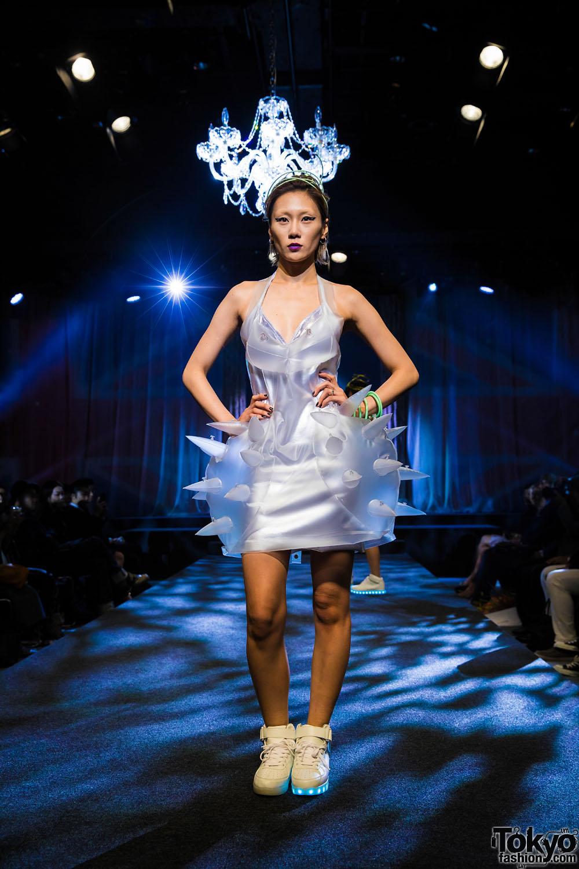 michiko london koshino quotharajuku exit no 5quot fashion show