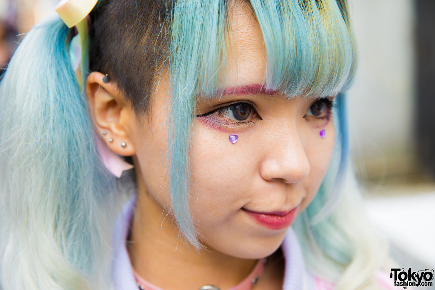 Pastel Haired Harajuku Girls In Colorful Fashion W Listen