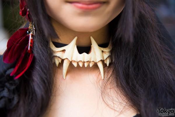 Teeth Choker