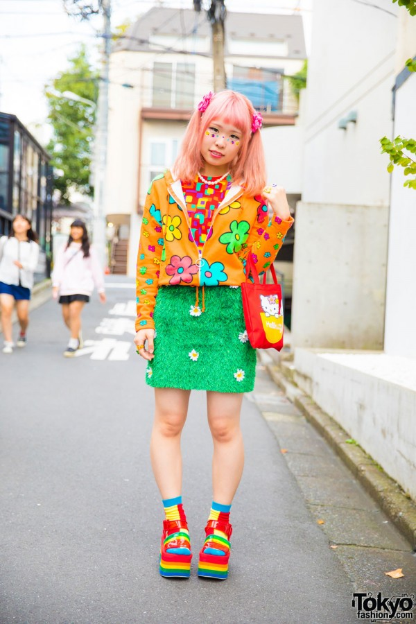 Twin Tailed Harajuku Girl in Colorful Pop Fashion w/ Kinji, Candy Stripper & Rainbow Socks