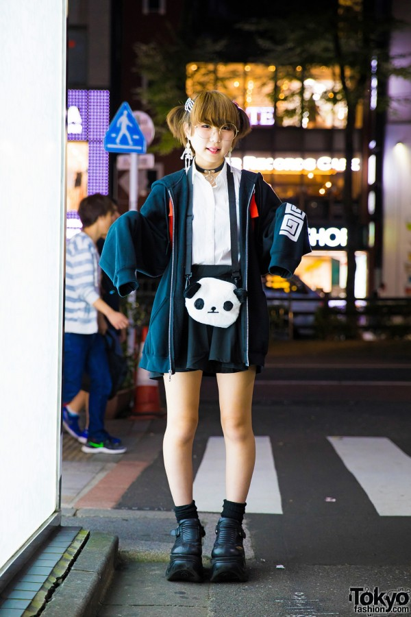 Monochrome Harajuku Street Fashion