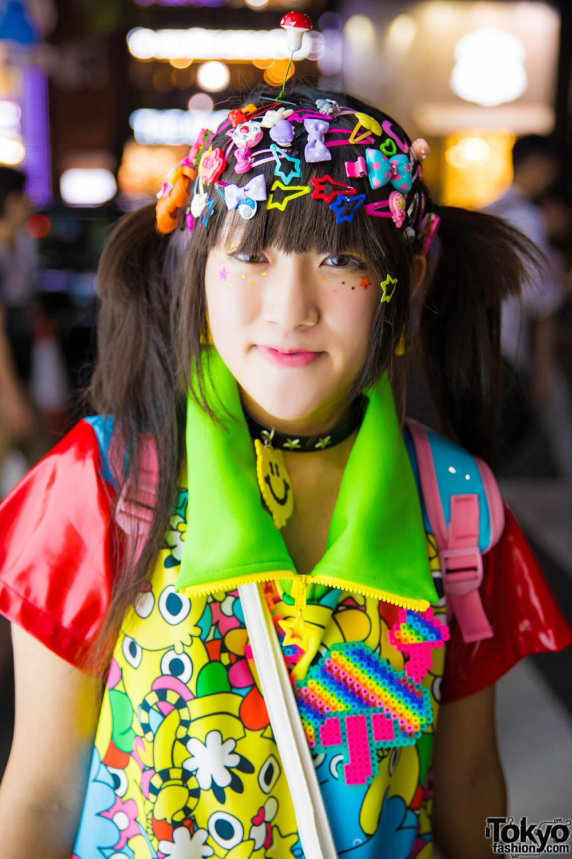 Harajuku Girl w/ Decora Hair Clips, 90884 Kawaii Fashion
