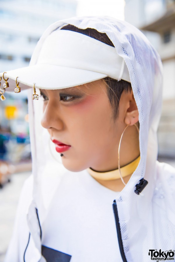 H&M White Cap & Oversized Hoop Earring