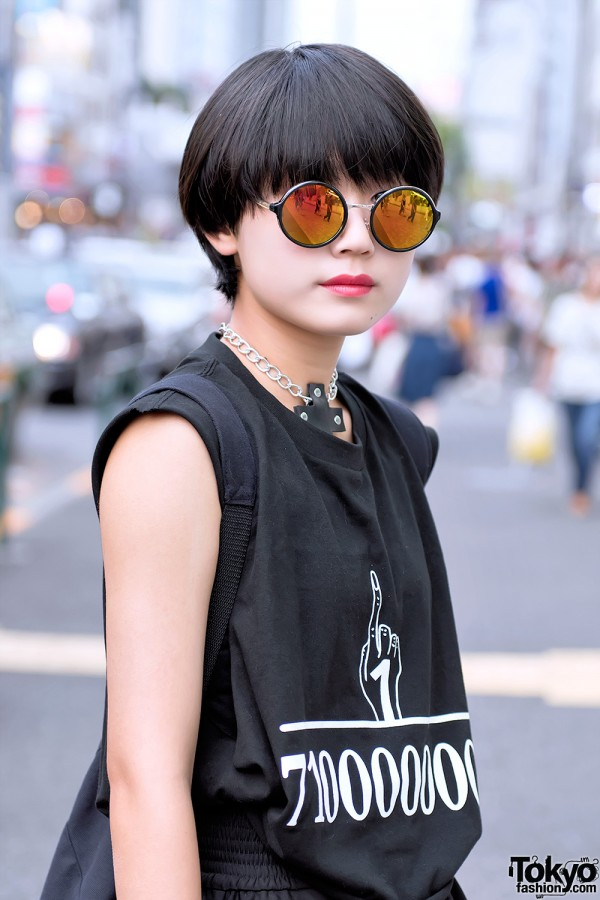 Black Bob Hair & Round Sunglasses