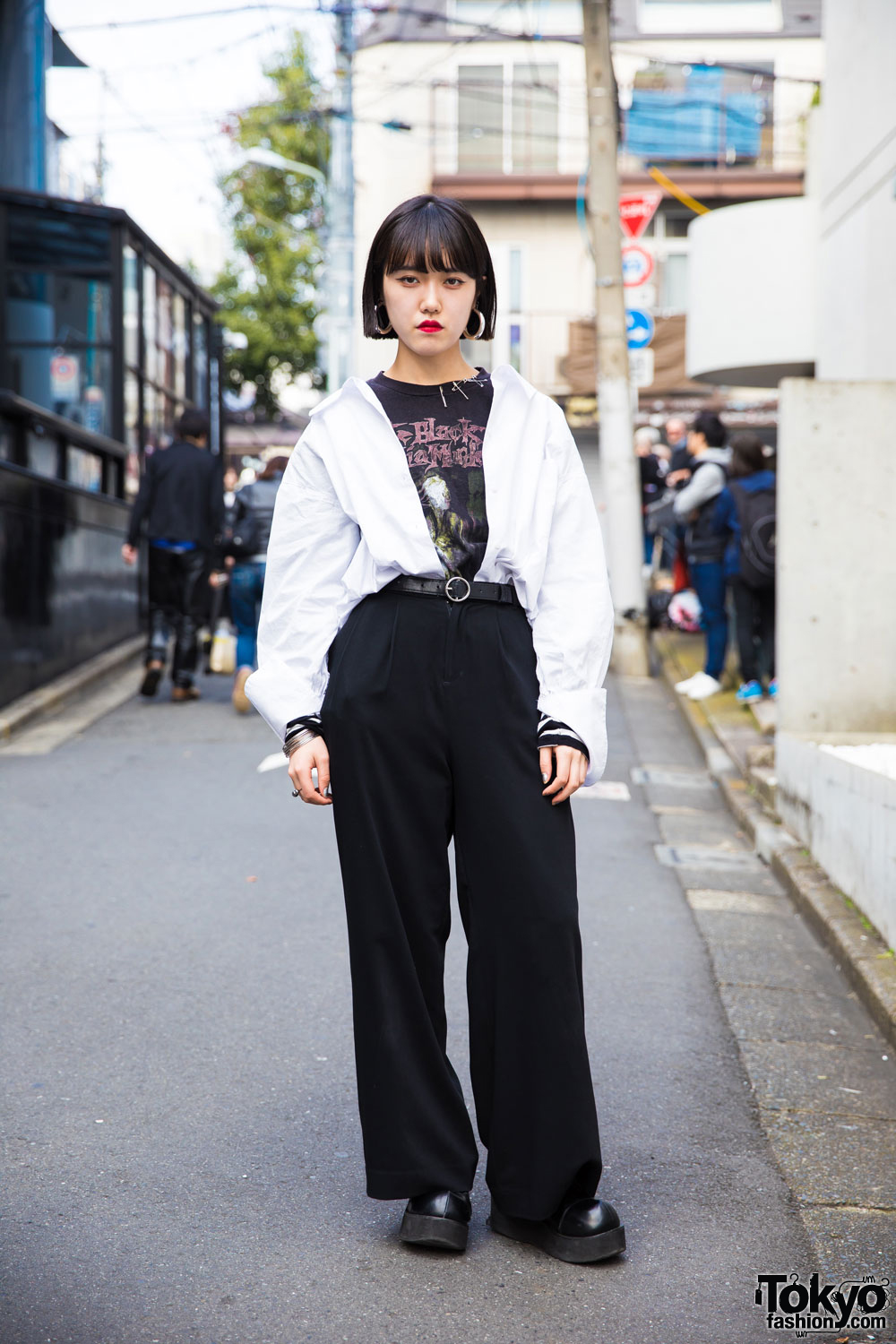 Harajuku Girl In Black White Minimalist Style W Vintage Metal T Shirt Safety Pins