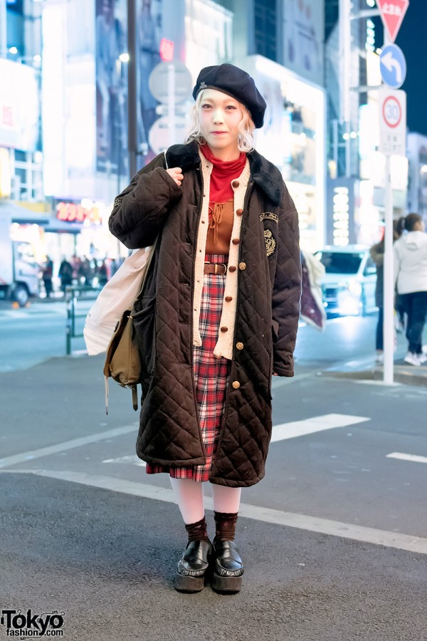 Harajuku Girl in Vintage Street Fashion w/ Items From KIKI2 & Santa Monica