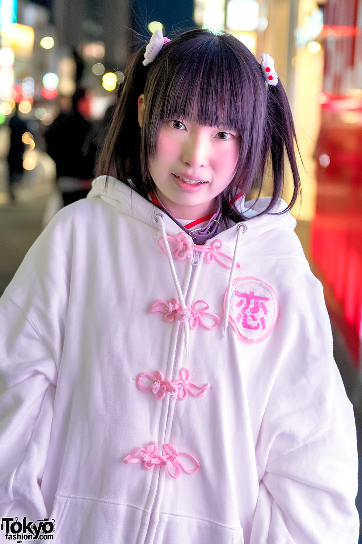 Harajuku Girl In Zzz Oversize Hoodie Nile Perch Candye Syrup Amp Acdc Rag Knee Socks