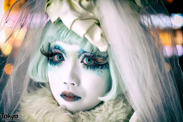 Shironuri Makeup & Lace Veil