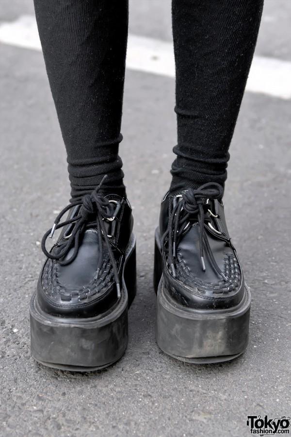 Black Creepers & Over-The-Knee-Socks