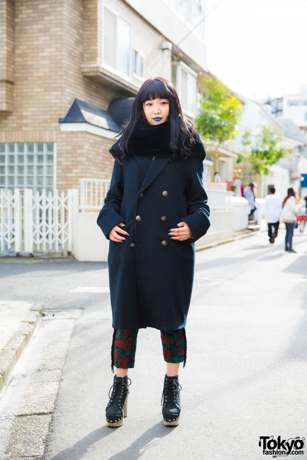 Harajuku Girl w/ Blue Lipstick in Codona de Moda, h.t.maniac & Jeffrey Campbell Booties