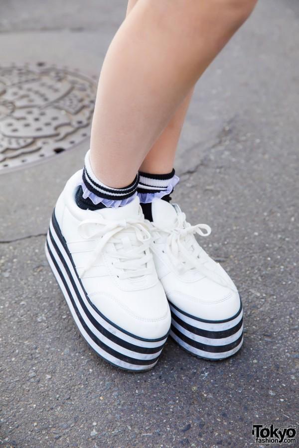 Ruffle Socks & WEGO Platform Shoes