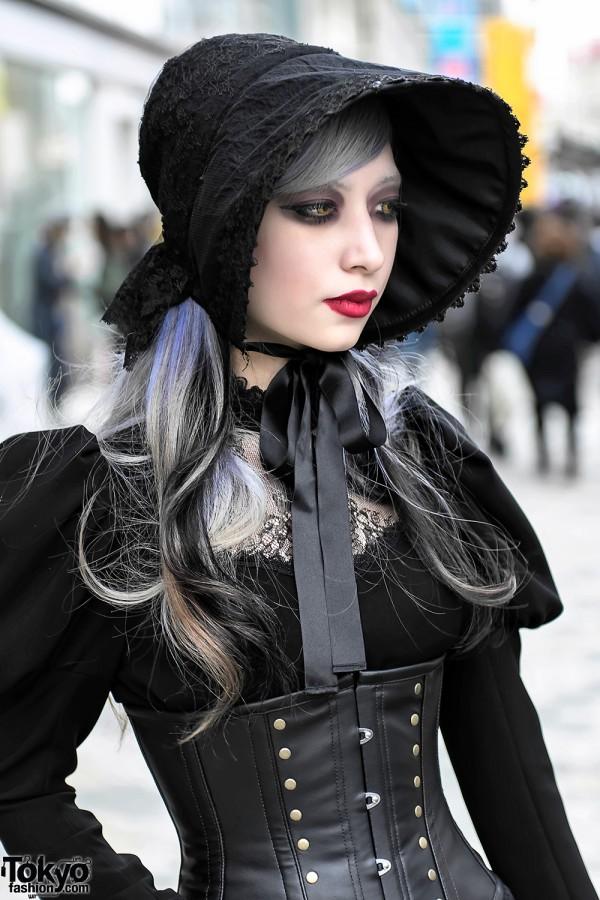 DevilInspired Gothic Dresses: Tips on Gothic Fashion Style