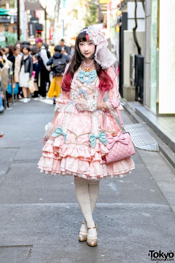Rinrin Doll In Angelic Pretty Lolita Fashion On The Street