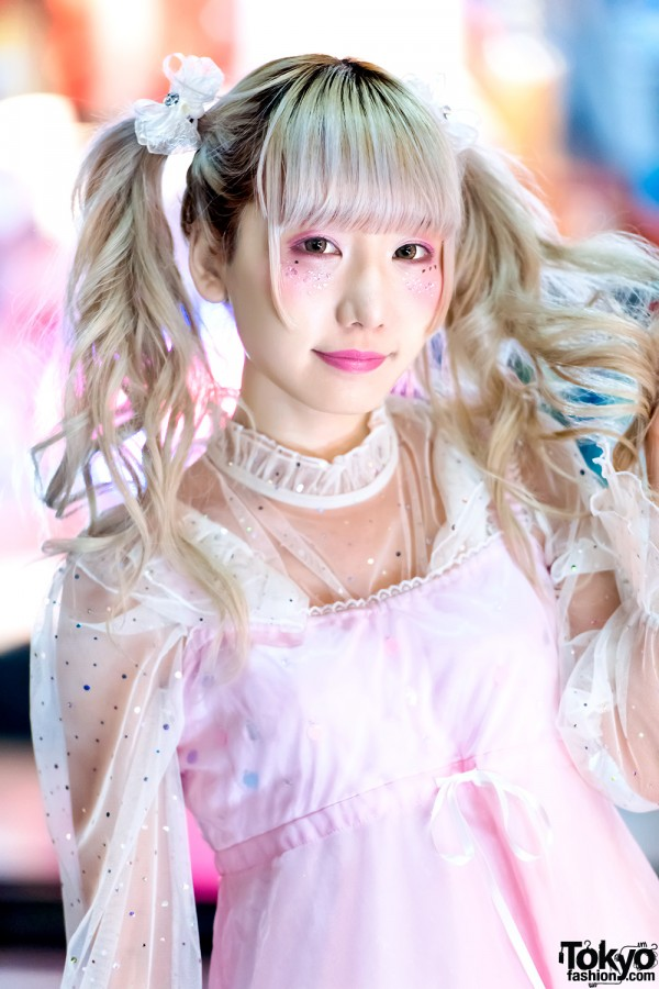 Twintails & Pastel Fashion in Harajuku