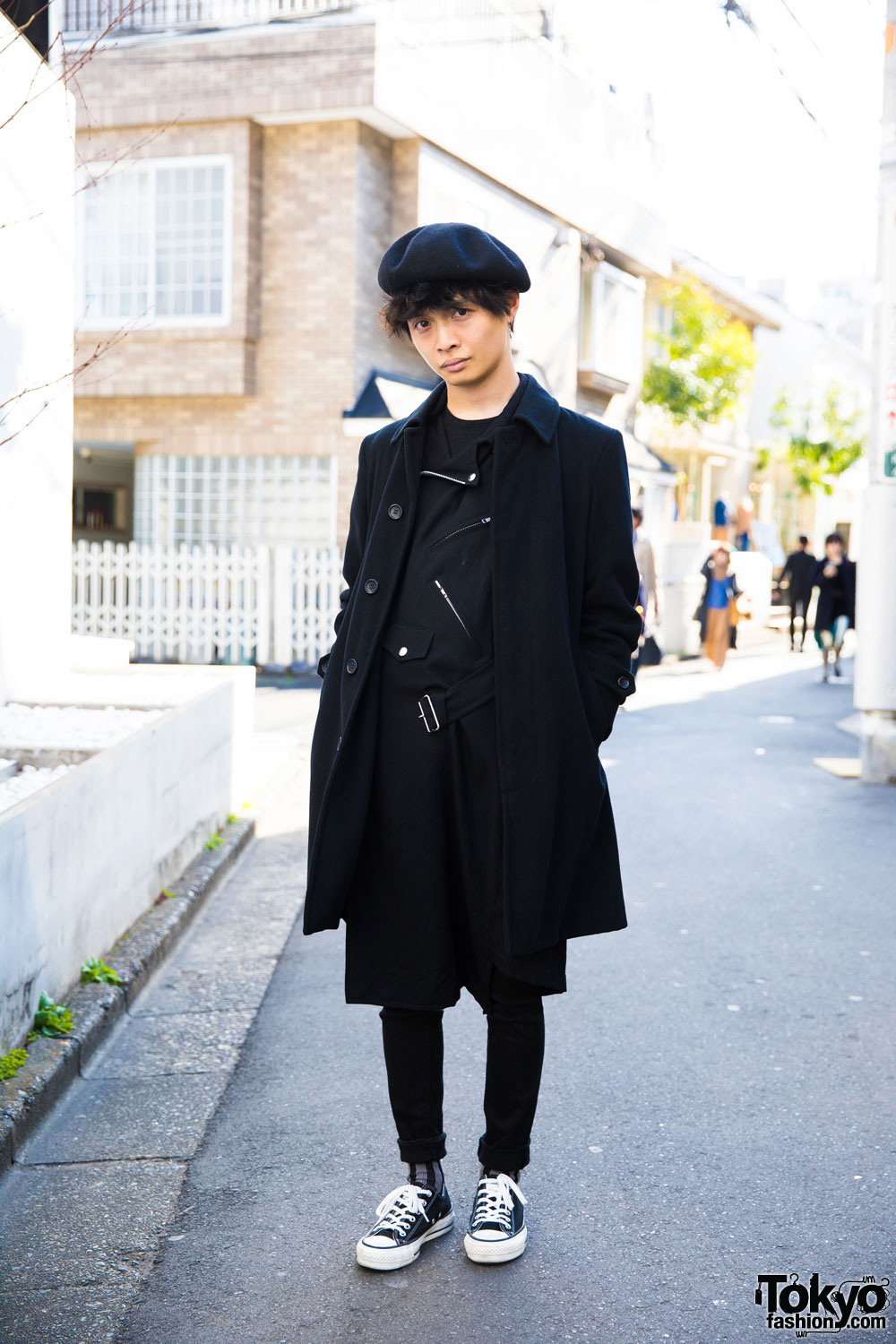 6bb821a5d04 Harajuku Guy Clad in All Black w  Comme des Garcons